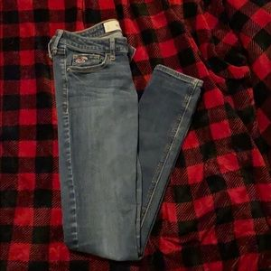 Hollister size 3 skinny jeans